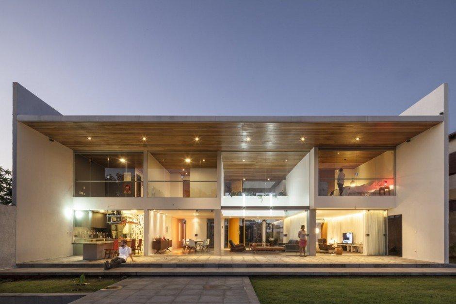 Plano de una cas de forma rectangular con un estilo contemporáneo, Casa en Brasil