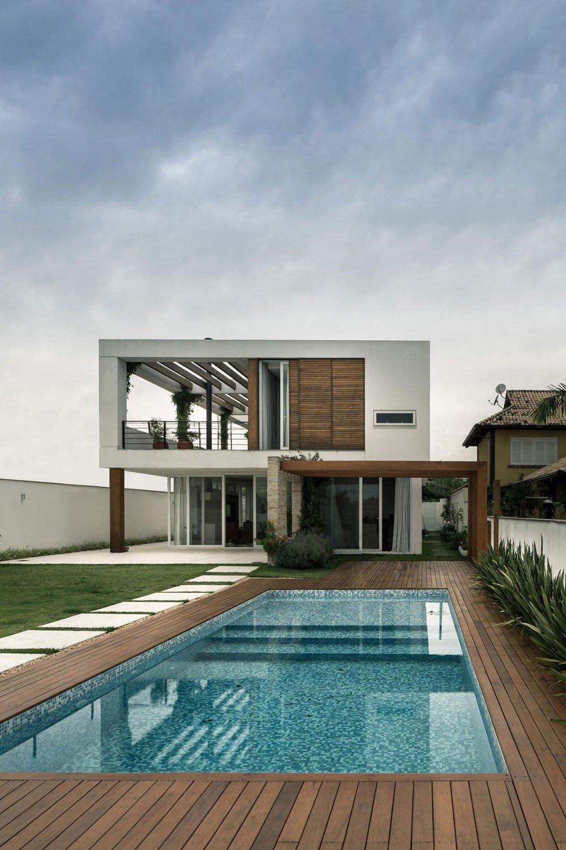 Planos de una casa contemporánea con una conexión perfecta al aire libre