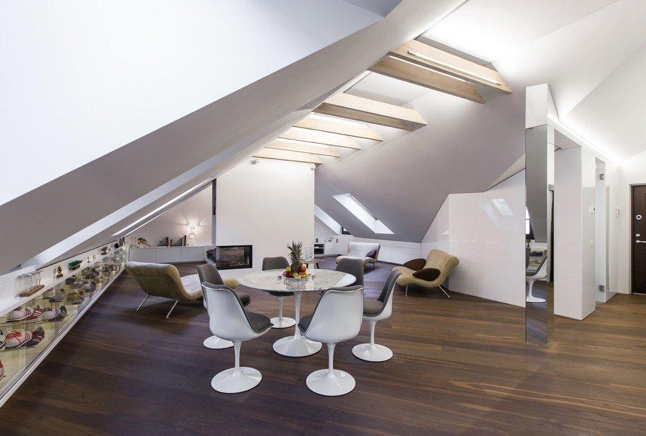 Planos de Apartamento moderno en un atico con vistas de la Ciudad Vieja: Proyecto DO  de YCL
